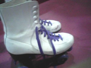 I was stylin' in purple laces, but felt out of place in my non tight sweatpants. Everyone was looking pretty svelte in their nylons or spandex attire.