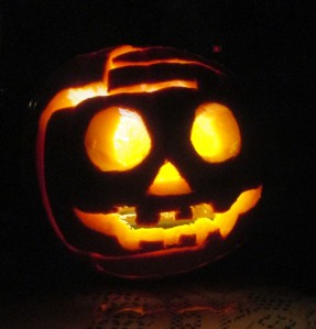 Then came Halloween Eve and the Big Day itself where we spent our time carving pumpkins, trick-or-treating and watching Linus hope for the Great Pumpkin's arrival. A Guatacular week where time stood still and Hershey bars rained down on the Guats.