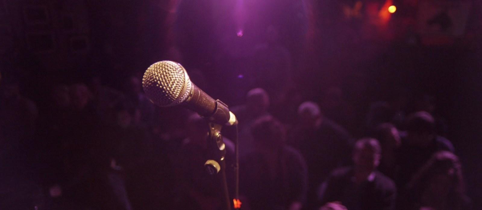 Microphone-Whealans1